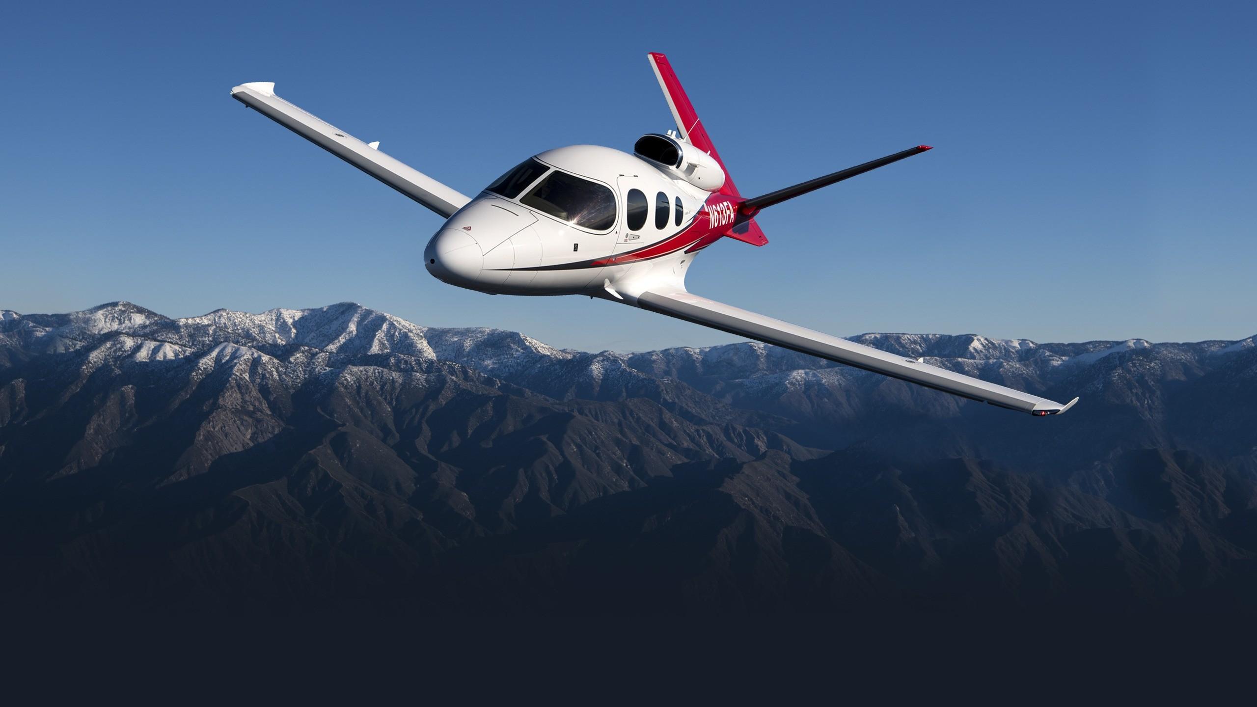 airplane cirrus