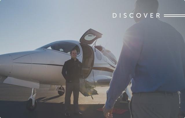airplane cirrus discover
